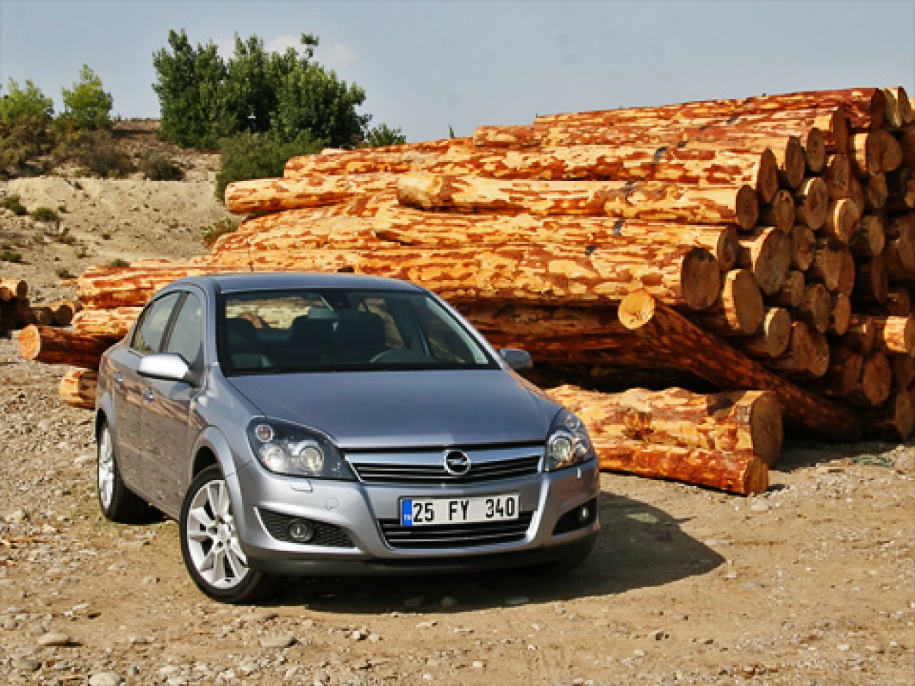Opel astra фотогалерея